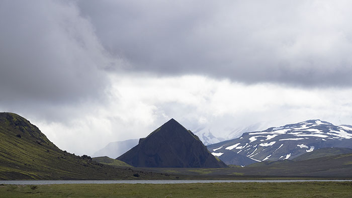 Mountains at Álftavatn