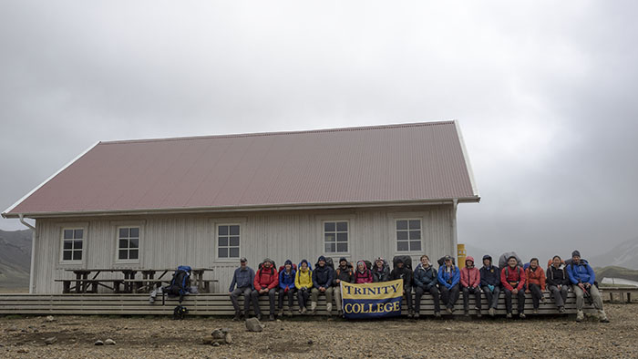 Group shot in front of the new Álftavatn hut.