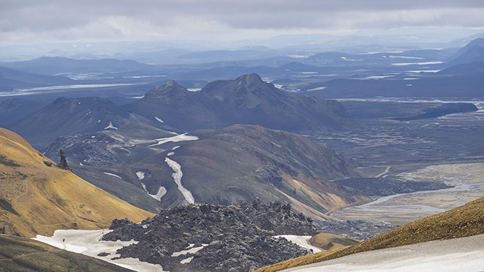 The giant lizard: First view of the lava flows at landmannalaugar