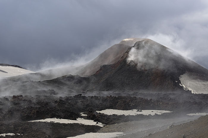 The steaming Magni crater in 2011. It was still pretty warm in 2014.
