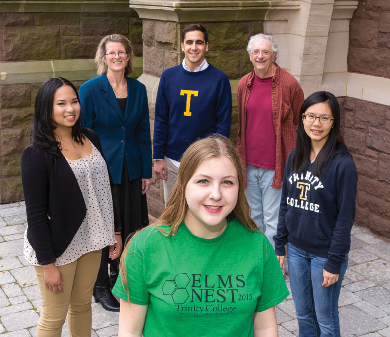 Members of the Bantam Network's Elms Nest gather on the Long Walk. Pictured are, clockwise from foreground, Anya Forsberg '19, Trinsition Fellow Consuelo Pedro '15, Senior Associate Dean of Students Ann Reuman, First-Year Seminar Mentor Benjamin Chait '16, Hobart Professor of Classical Languages and Elms Nest Faculty Mentor Gary Reger, and RA Tina Wu '18. Photo: John Marinelli