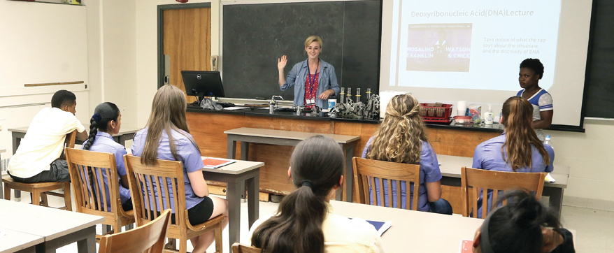 Science teacher intern Maegan Nelson of Whitman College leads a summer workshop at Trinity. Photo: John Atashian