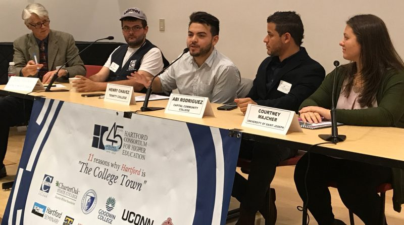 Henry Chavez '18 presents at the Hartford Consortium for Higher Education conference