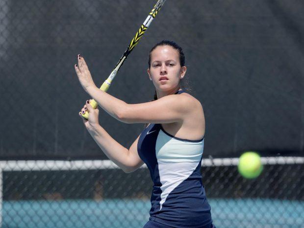 Men's and Women's Tennis Split Wins