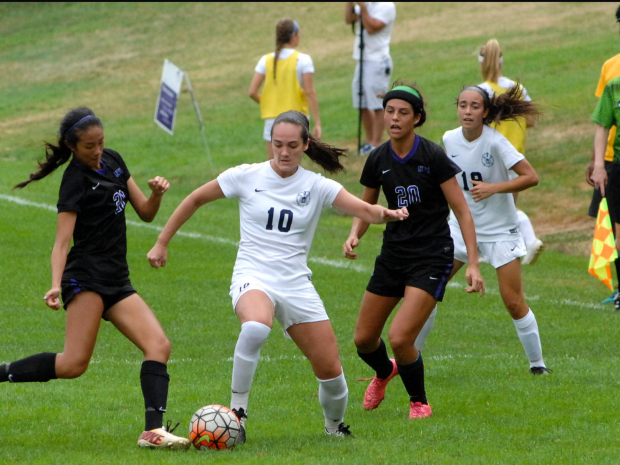 Women's Soccer Continues to Roll Over Opponents